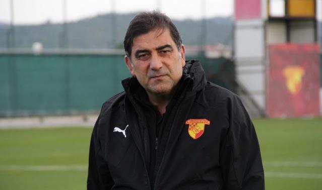 Trabzonspor'da çok iyi bir yakaladığı halde takımdan gönderilen Ünal Karaman'a hem şehrin hem de yönetimin sevgisi ve saygısı devam ediyor.
