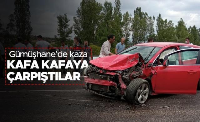 Gümüşhane'de iki aracın kafa kafaya çarpıştığı trafik kazasında 1 kişi öldü, 3 kişi yaralandı.