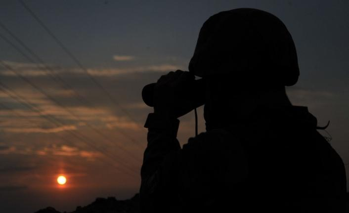 Yasa dışı yollardan yurda girmeye çalışan PKK'lı sınırda yakalandı