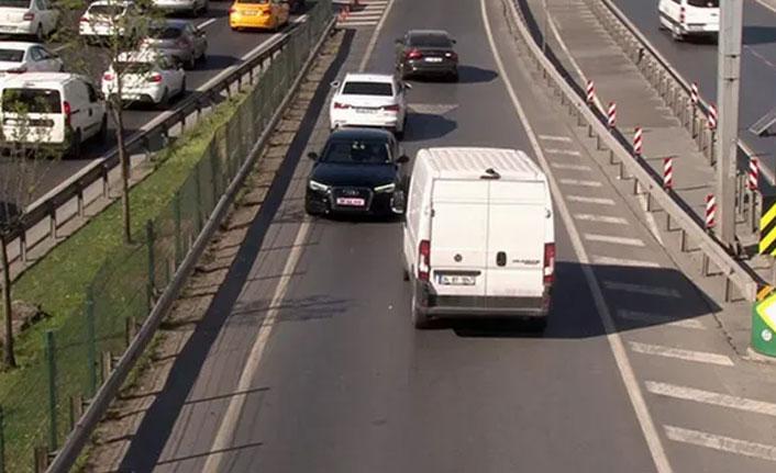 İstanbul trafiğinde ''kırmızı plakalı'' trafik canavarı kamerada!