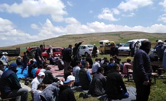 Kuraklığın yaşandığı Bayburt'ta köy sakinleri yağmur duasına çıktı