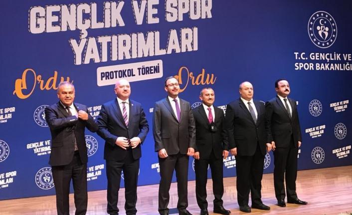 AK Partili vekillerden Belediye Başkanı Hilmi Güler'e 'özel kalem' tepkisi
