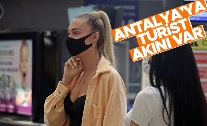 Antalya'ya günlük gelen turist sayısında vaka düşüşü etkisi