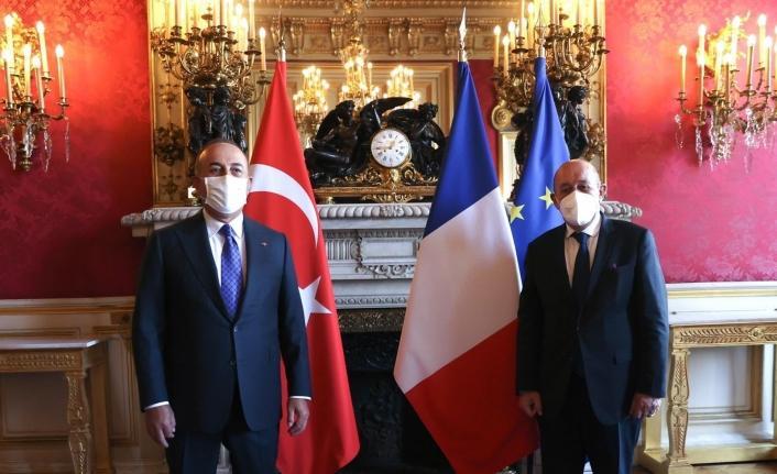 Dışişleri Bakanı Çavuşoğlu, Fransız mevkidaşı Le Drian ile görüştü