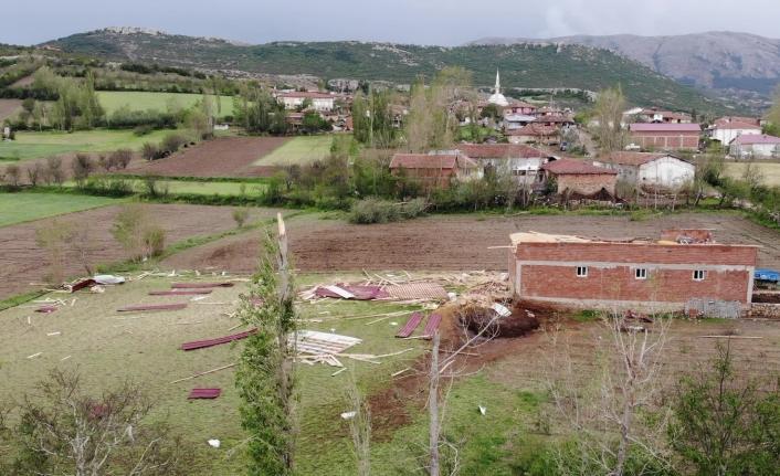 Tokat'ta tarım arazilerini dolu vurdu, zarar büyük