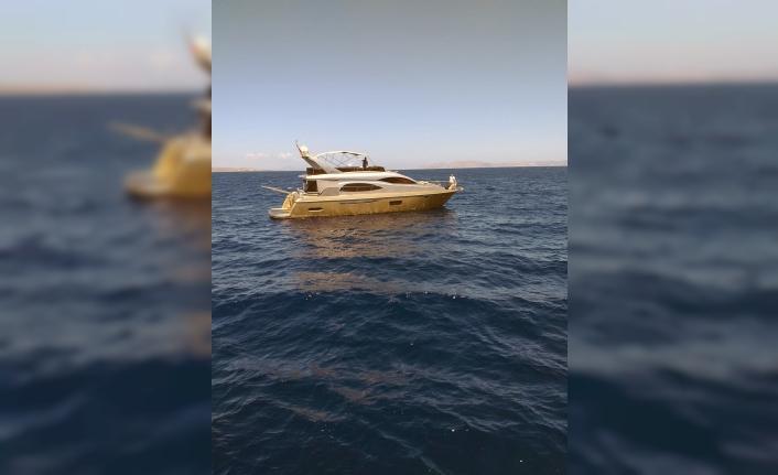 Açık denizde sürüklenen lüks yat kurtarıldı