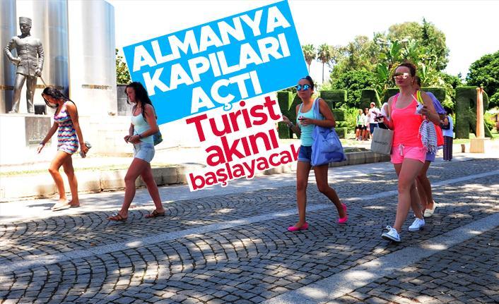 Almanya, Türkiye'ye yönelik seyahat uyarısını kaldırdı