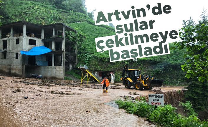 Artvin Arhavi'de sular çekilmeye başlayınca bilançonun büyüklüğü ortaya çıktı