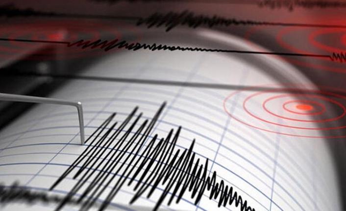 İzmir'de peş peşe depremler