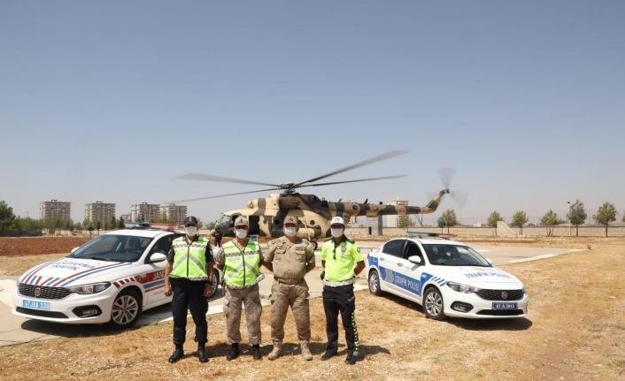 Mardin'de helikopter ile havadan trafik denetimi yapıldı
