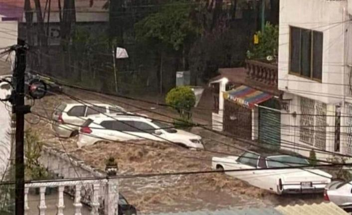 Meksika'yı sel vurdu: 7 ölü