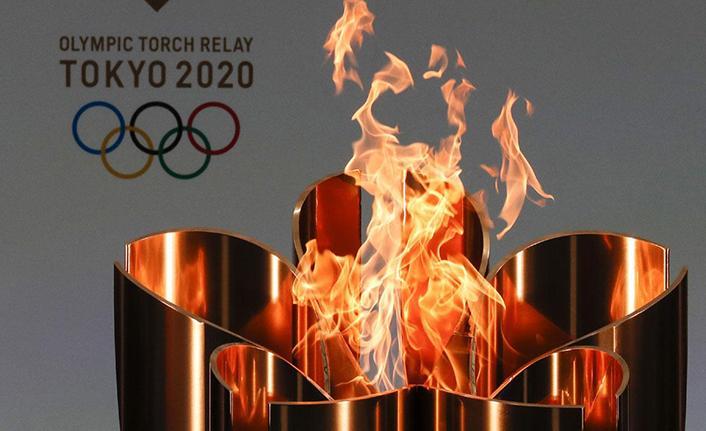 Olimpiyat meşalesine su tabancalı saldırı