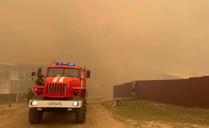 Rusya'daki orman yangınlarında 2 köy daha tahliye edildi