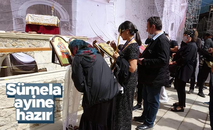 Sümela Manastırı ayin için hazır