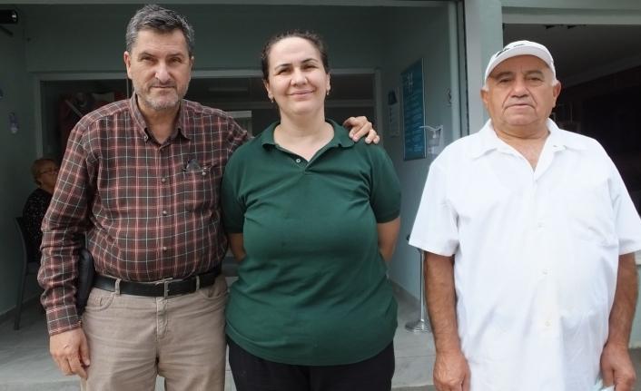 Amerika'dan tatile geldi, kafeterya açan Özcan çiftine rehber oldu