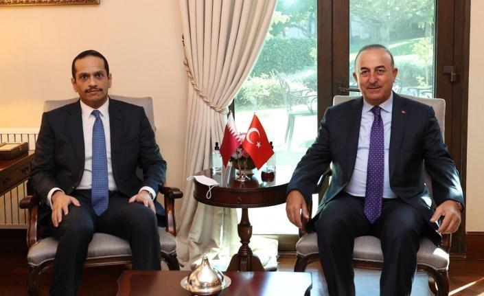 Bakan Çavuşoğlu, Katarlı mevkidaşı Al Thani ile görüştü