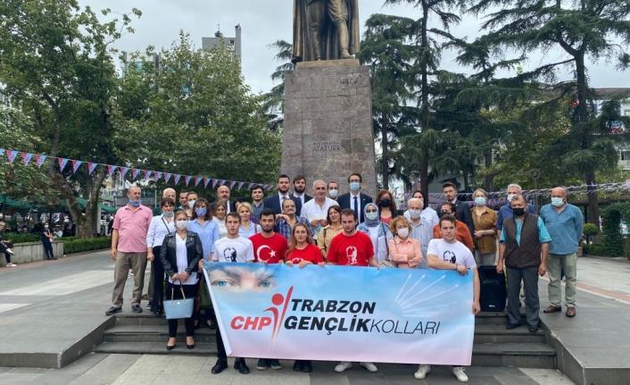 CHP İl Gençlik Kolları Atatürk'ün Trabzon'a geliş yıldönümü nedeniyle tören düzenledi