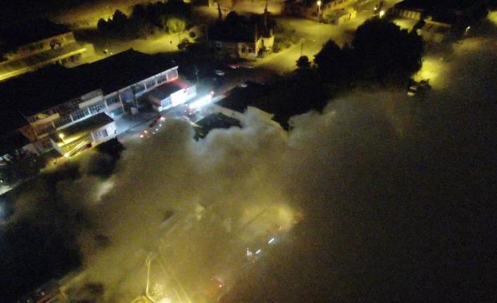 Kayseri OSB'de mobilya fabrikasında yangın