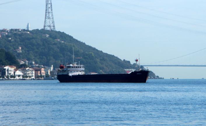 Rusya'ya giden kuru yük gemisi Boğaz'da arızalandı