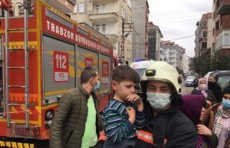 Trabzon'da korkutan yangın... 3 çocuk son anda çıkarıldı