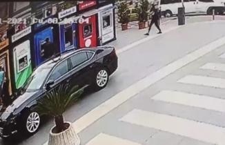 Yomra'da Belediye Başkanı Bıyık'a silahlı saldırı anı güvenlik kameralarında